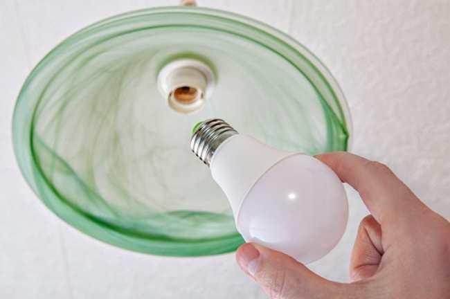 LED лампа в светильник домой