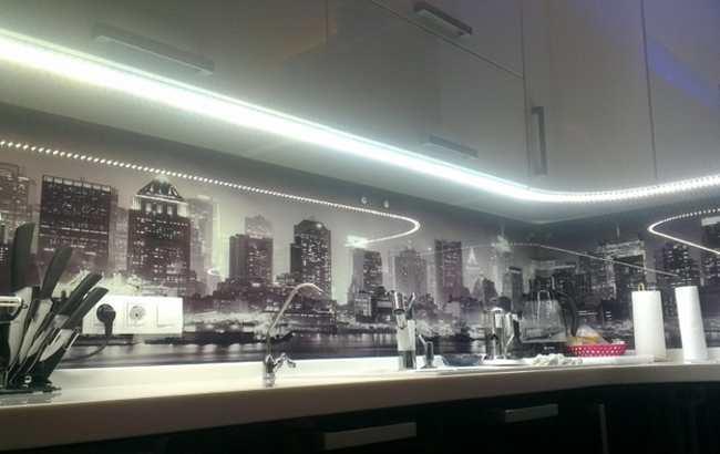 Светодиодная подсветка рабочей зоны
