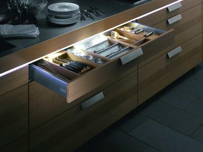 Лед подсветка ящиков кухонного гарнитура