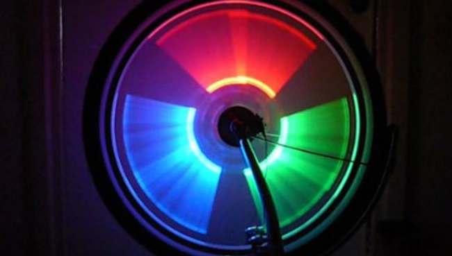 светодиодные колпачки на ниппель колеса велосипеда