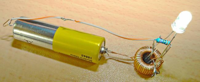 подключение светодиода от батарейки
