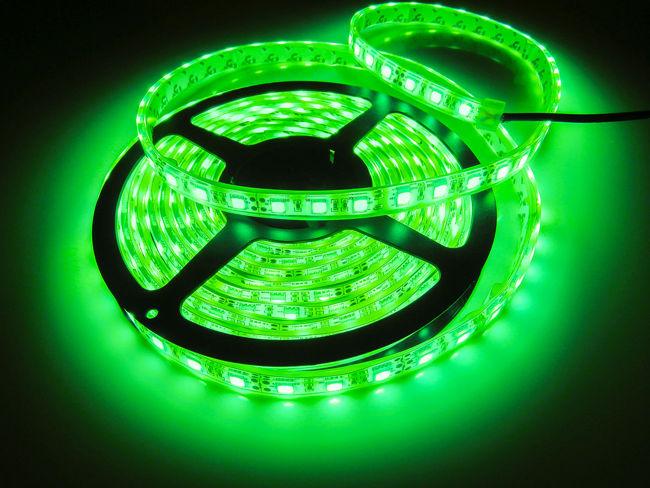 зеленая герметичная светодиодная лента