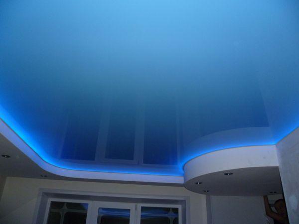 освещение натяжного потолка светодиодной лентой